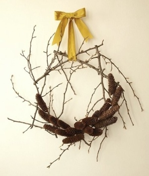 Yellow_ribbon_wreath