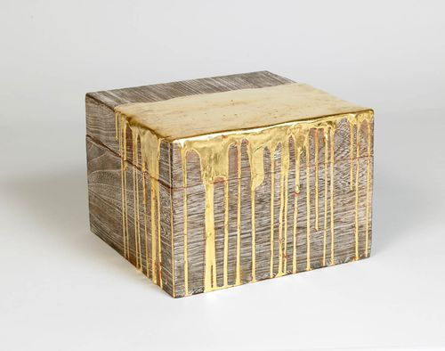 Poured_gold_box